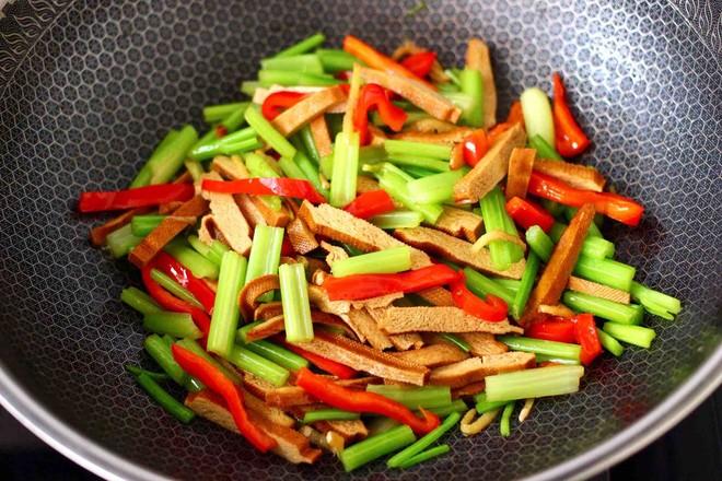香干炒芹菜怎样煮