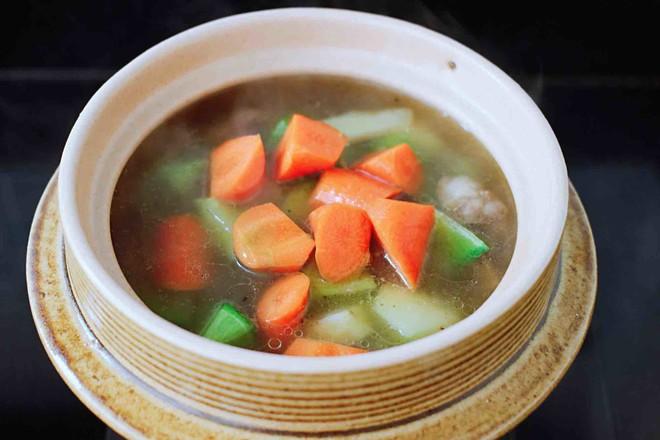 青萝卜牛腩煲怎样炒