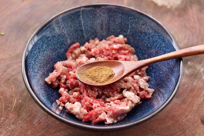 牛肉茼蒿饺子的家常做法