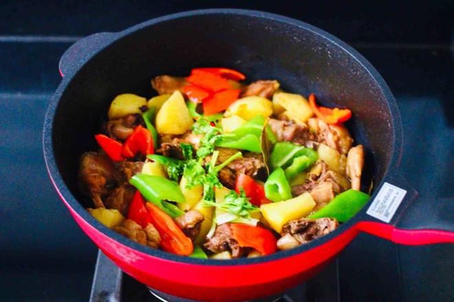 咖喱鸡肉土豆的制作