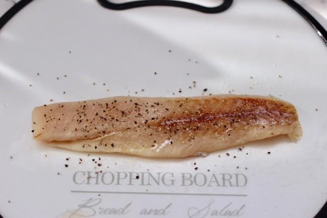 开放式鳕鱼鸡蛋三明治怎么吃