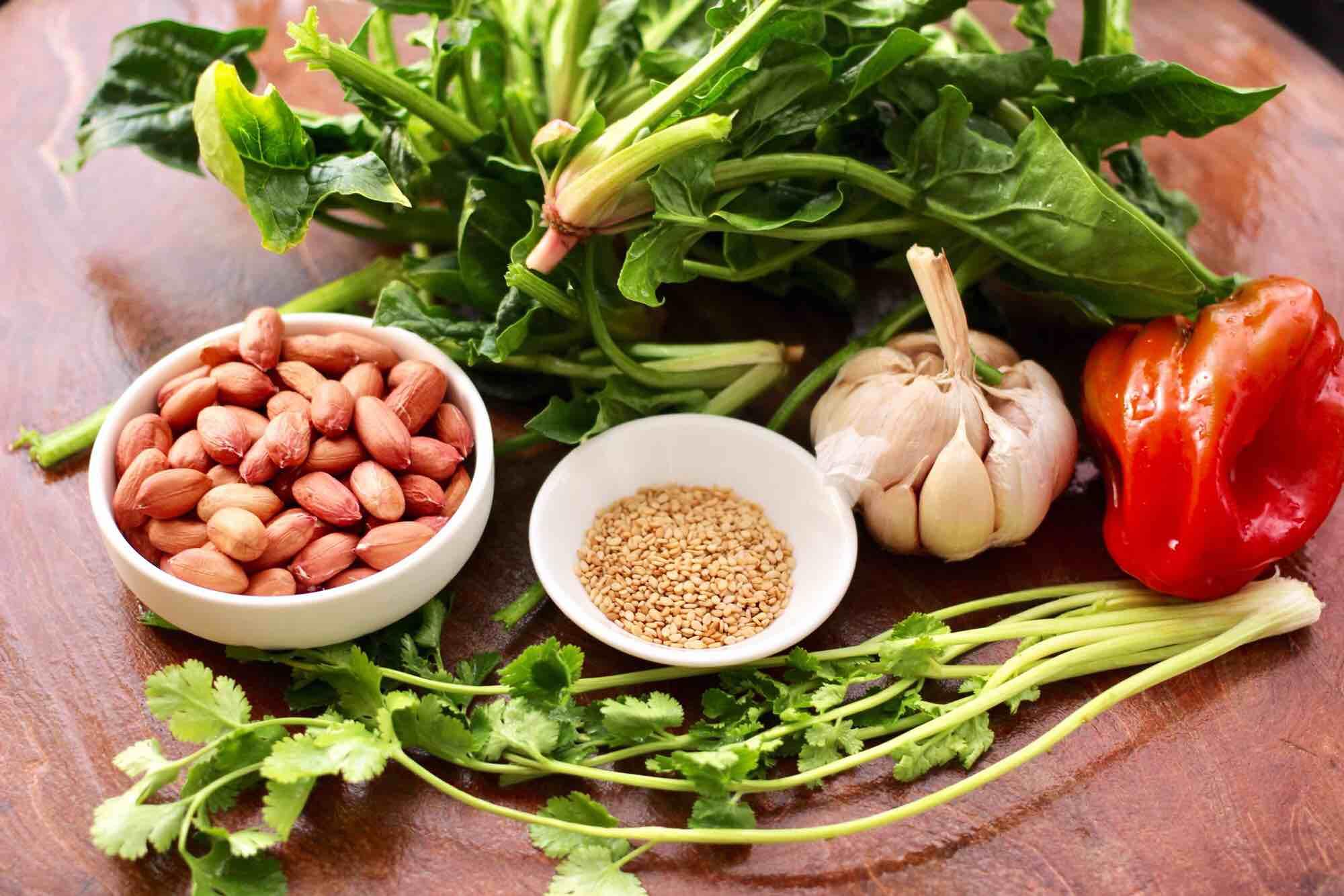 花生米拌红根菠菜的做法大全