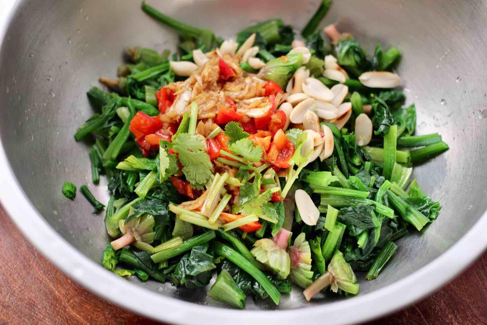 花生米拌红根菠菜怎样炒
