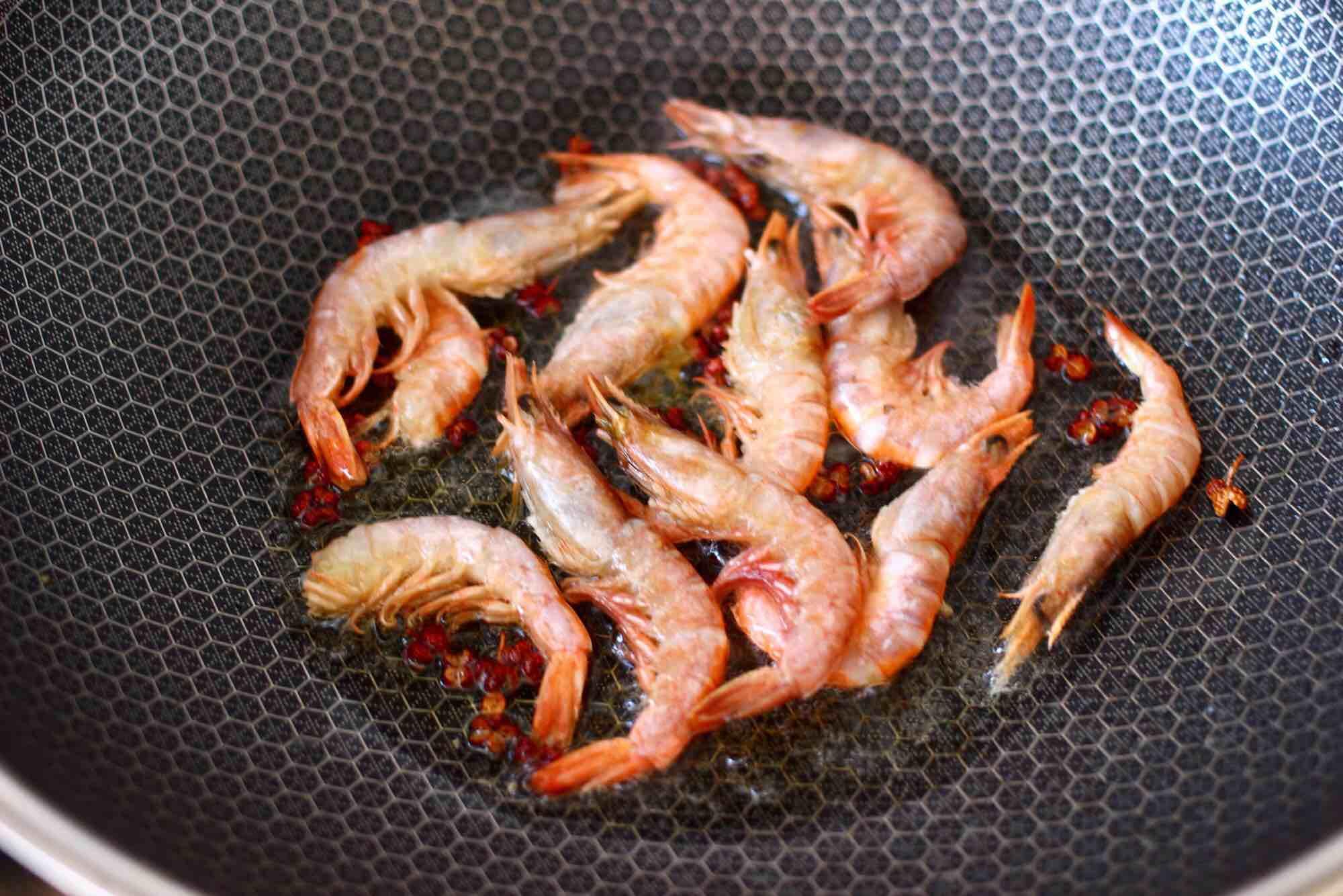 绿豆芽炒红虾怎么吃