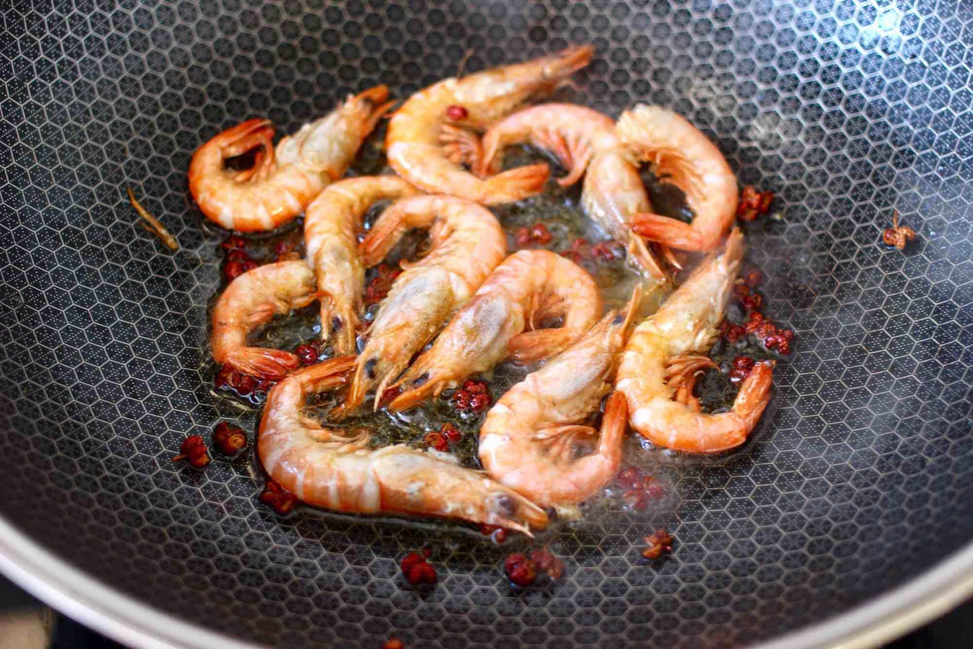 绿豆芽炒红虾怎么做