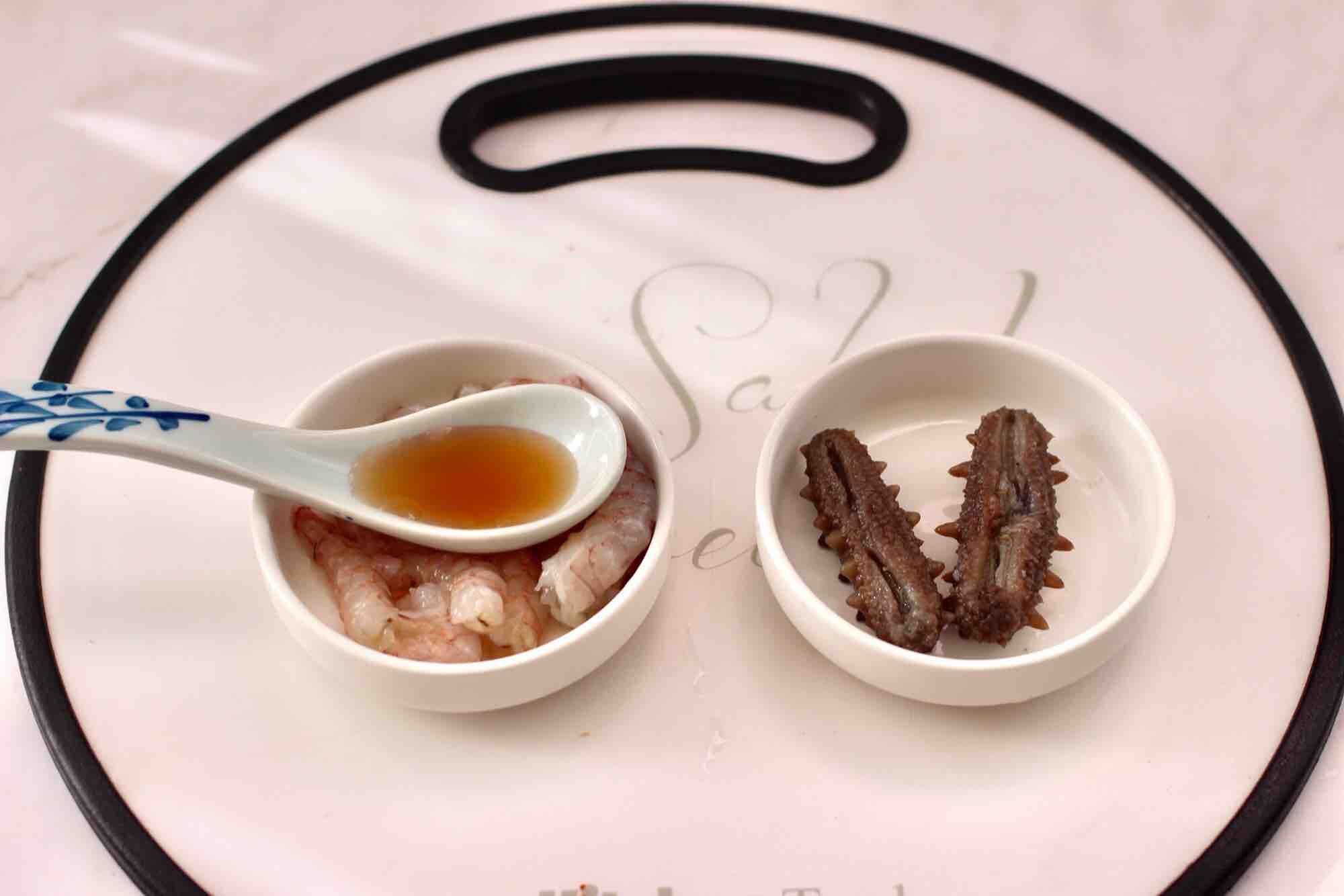 鲜虾海参砂锅粥的简单做法