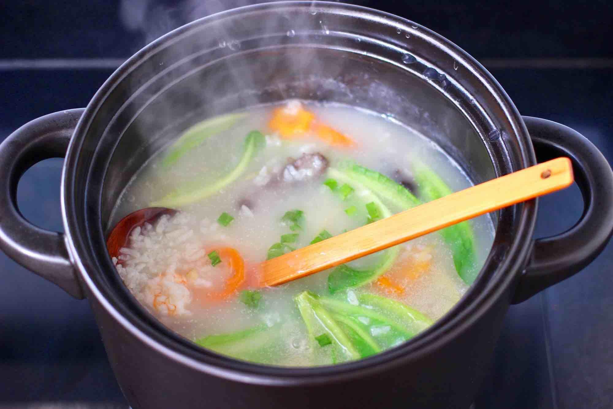 鲜虾海参砂锅粥怎样炖