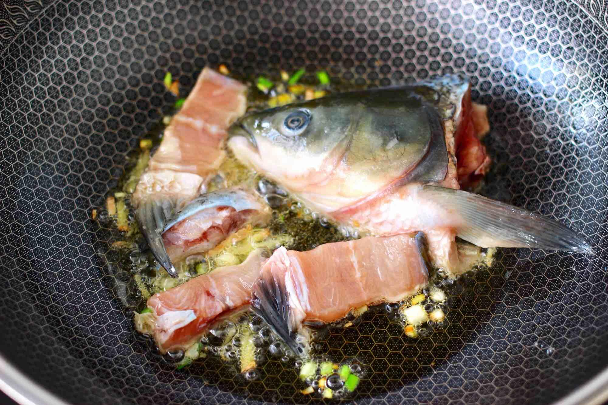 绿豆芽香辣鱼怎么做