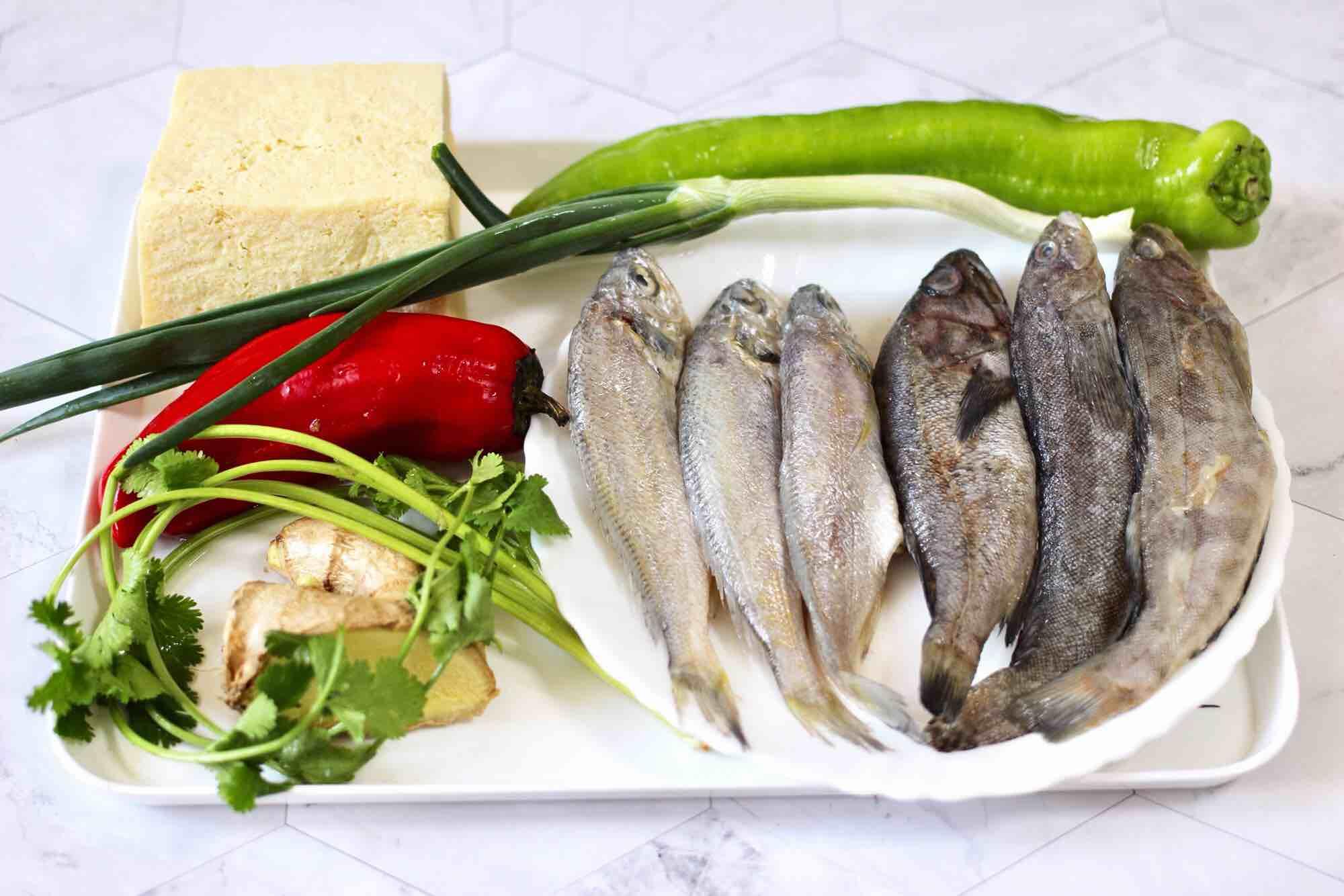 海杂鱼酱焖冻豆腐的做法大全