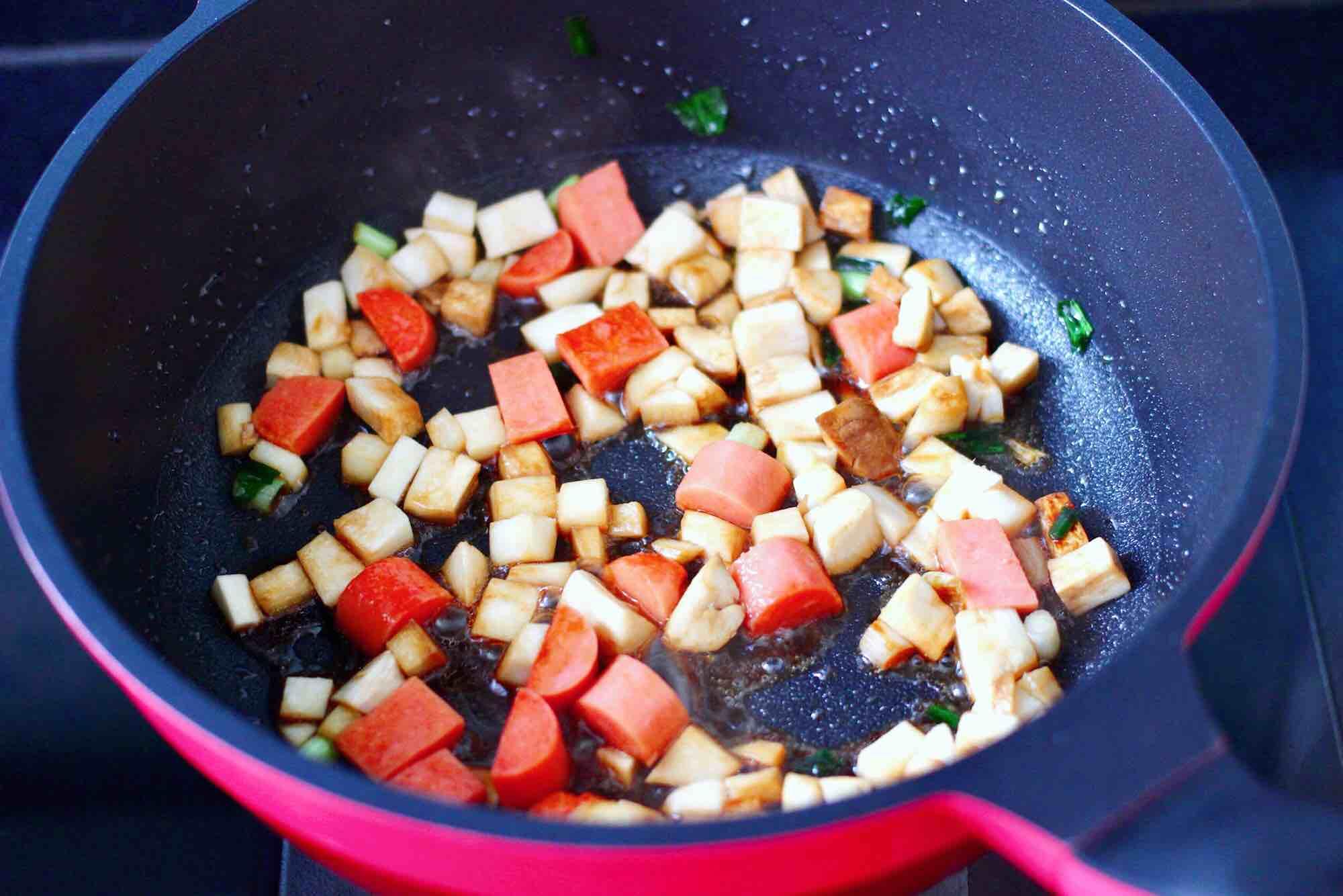 杏鲍菇火腿风味拌面怎么炒