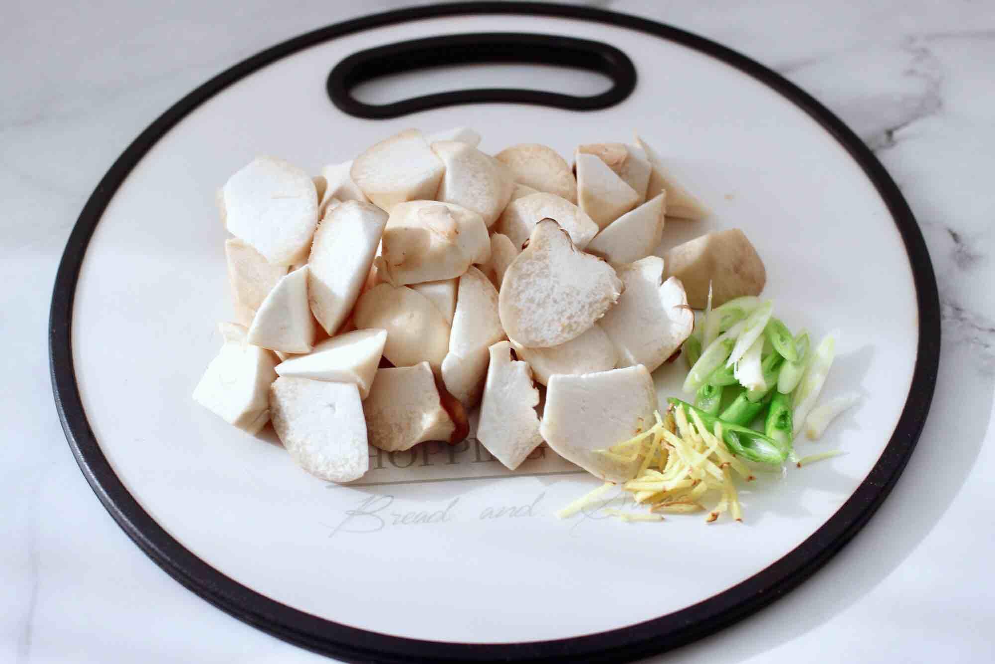 娃娃菇烧鸡腿肉的做法图解