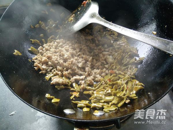 烂肉豇豆的简单做法