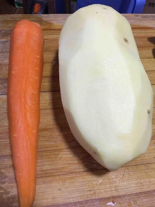 土豆胡萝卜炖牛腩怎么炒