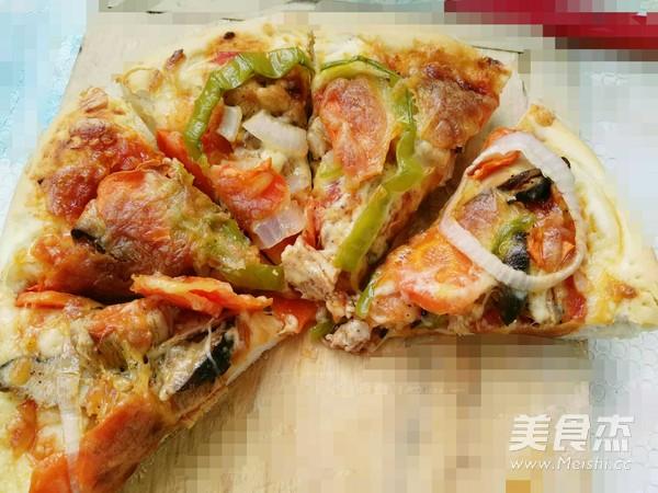 黑胡椒鸡肉披萨成品图