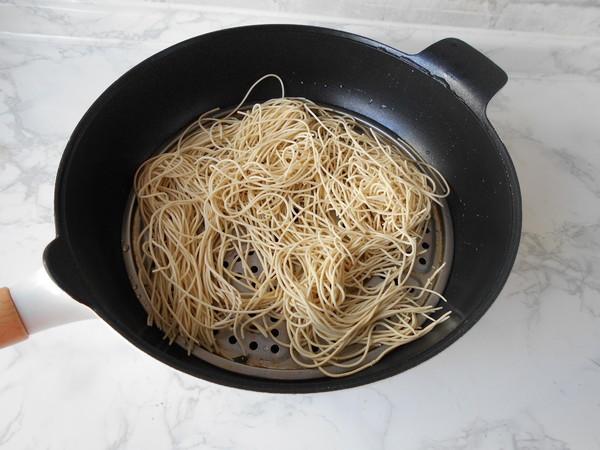 榨菜肉丝炒面的做法图解