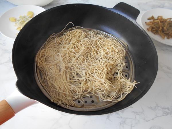 榨菜肉丝炒面的家常做法