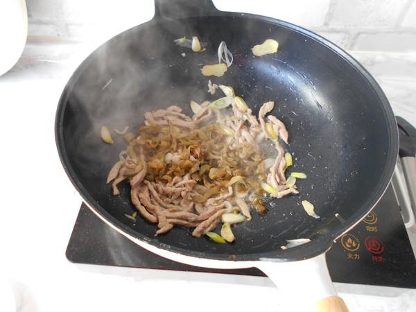 榨菜肉丝炒面怎样做