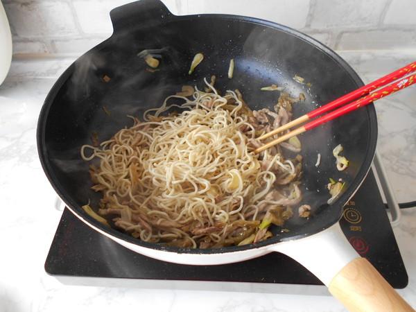 榨菜肉丝炒面怎样煮