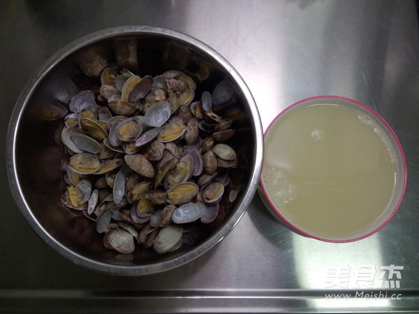 槐香蛤蜊饼的家常做法