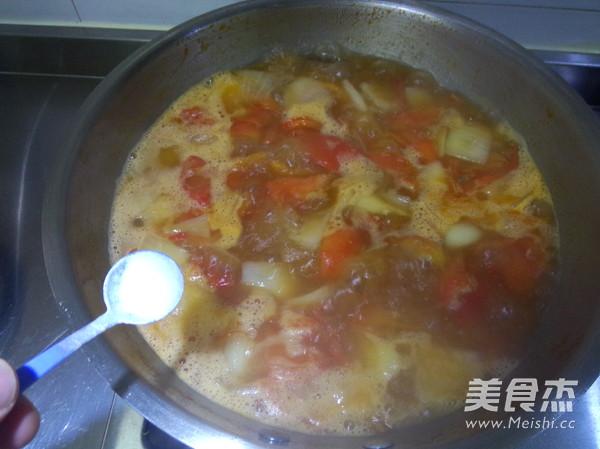 西红柿炖牛肉怎么煸