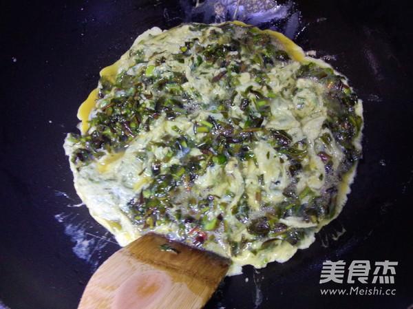 香椿芽鸡蛋饼怎么炒