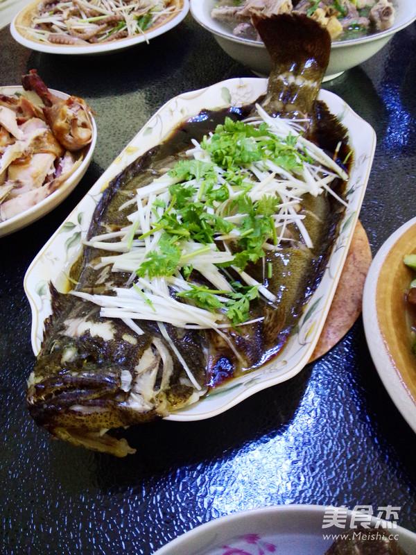 清蒸牙鲆鱼成品图