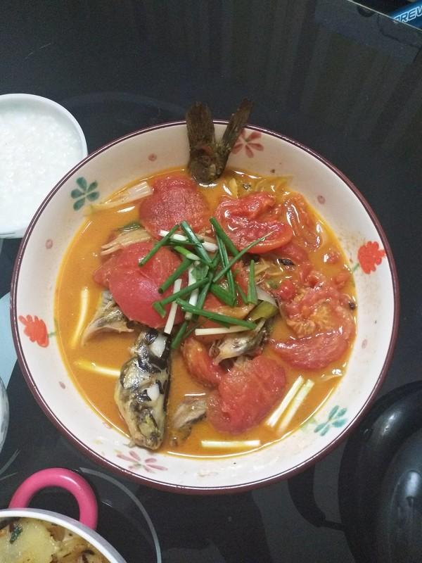 小儿菜谱之番茄炖黄辣丁成品图