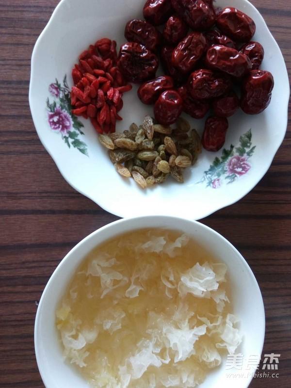 银耳莲子无花果糙米粥的做法图解