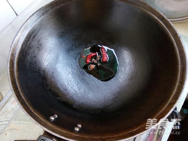 黑豆苗拌双菇怎么炒