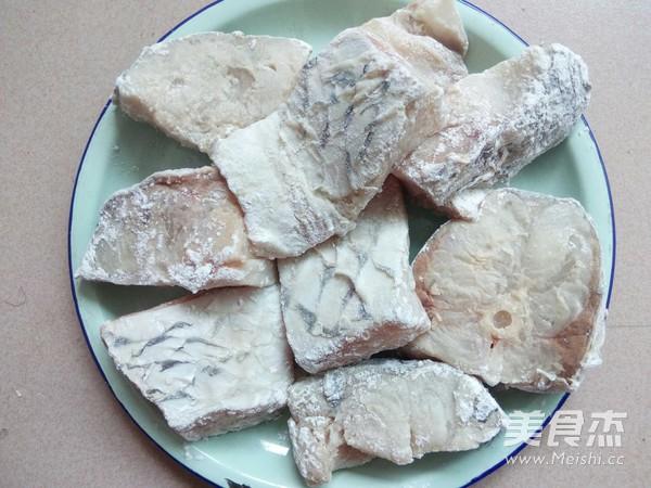 冻豆腐炖鱼的家常做法