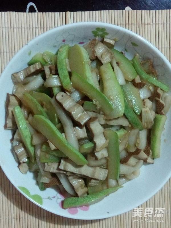 豆干西葫芦炒粉条怎样煸