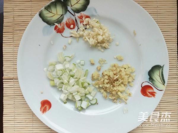 牛肉红萝卜尖椒炒米饭怎么吃