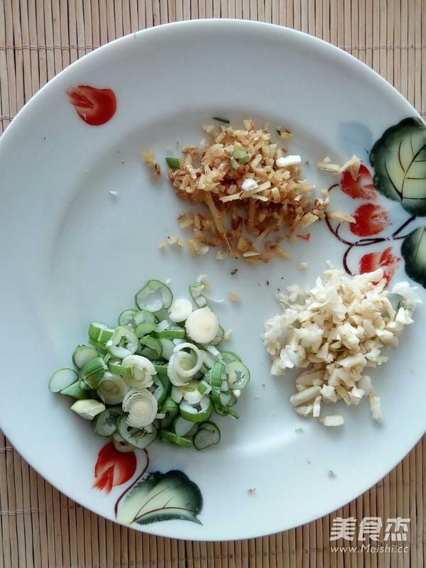 香菇白菜帮炒饼怎么做