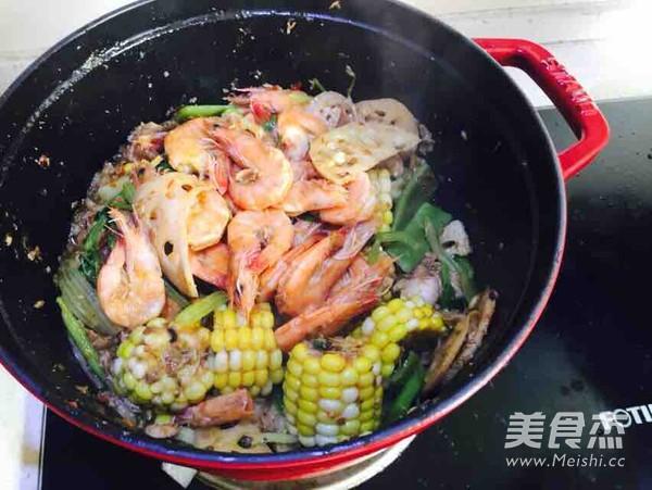 海鲜酱干锅成品图