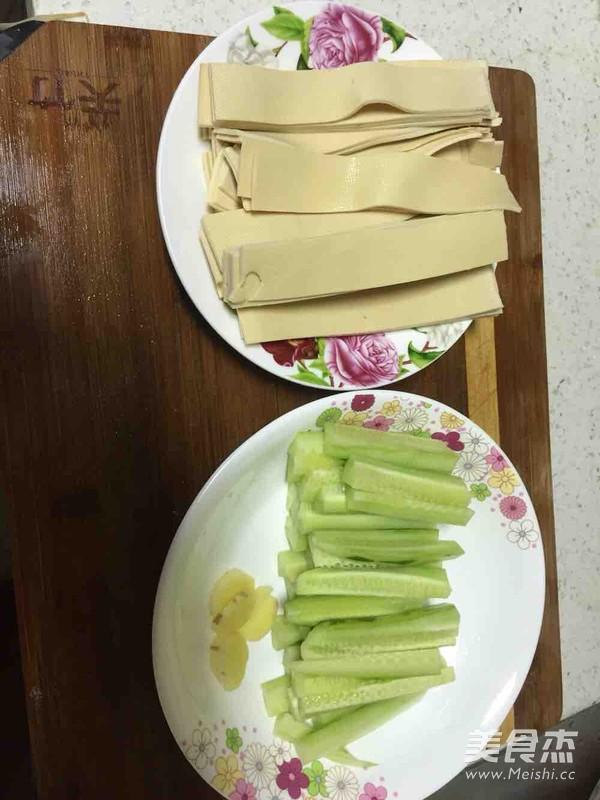 家庭自制川味干锅排骨的做法图解