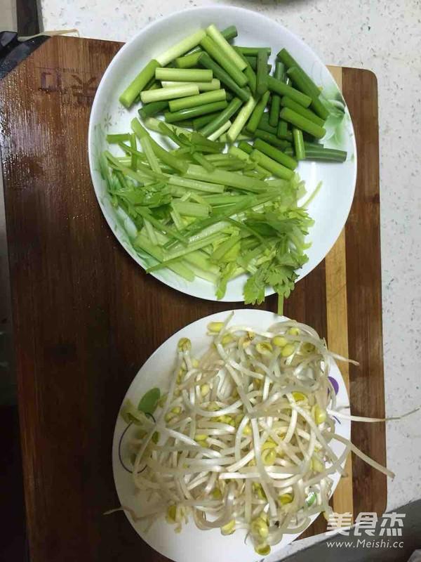 家庭自制川味干锅排骨的家常做法