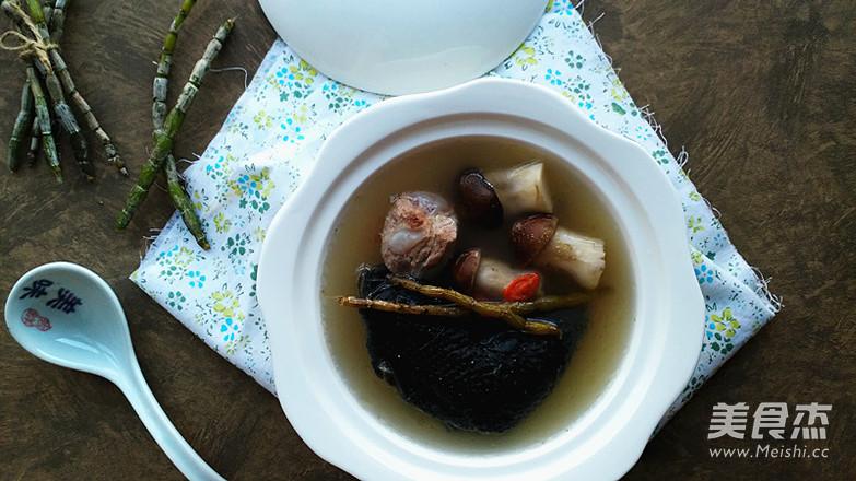 石斛松茸乌鸡汤-滋补而不燥的养生汤怎么吃