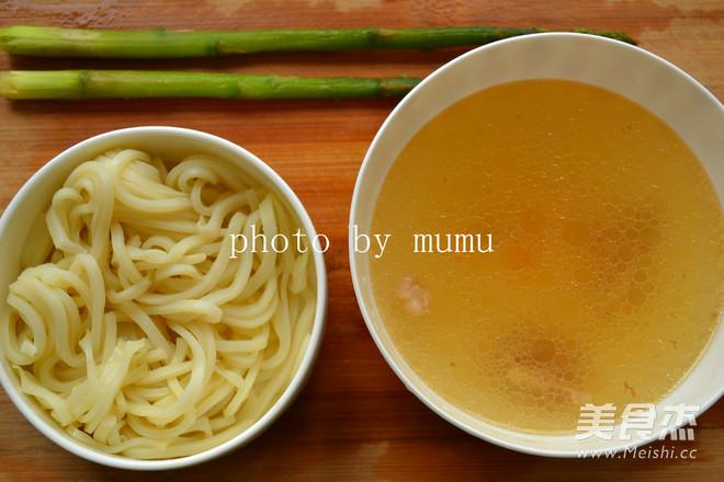 骨汤汆米皮的做法大全