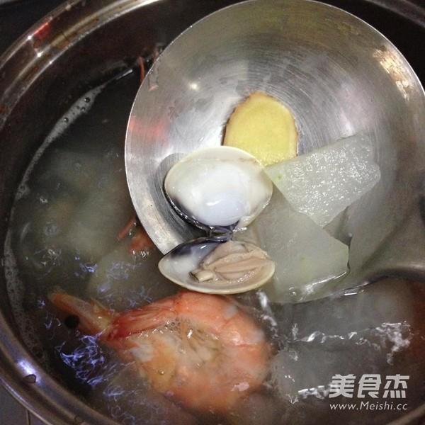 鲜虾蛤蜊冬瓜汤怎么吃
