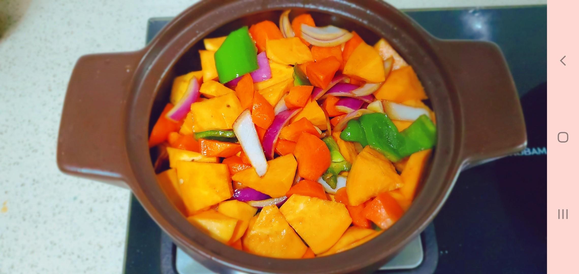 超下饭,堪比黄记煌的鸡腿焖锅的简单做法