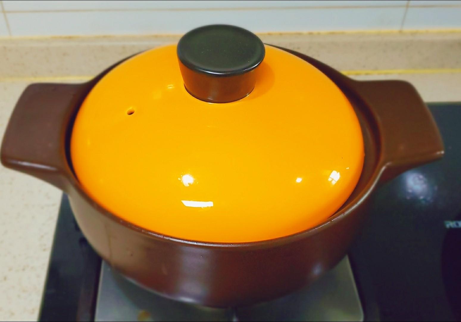 超下饭,堪比黄记煌的鸡腿焖锅怎么做