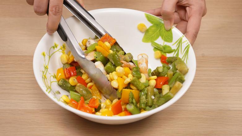 刮油沙拉的步骤