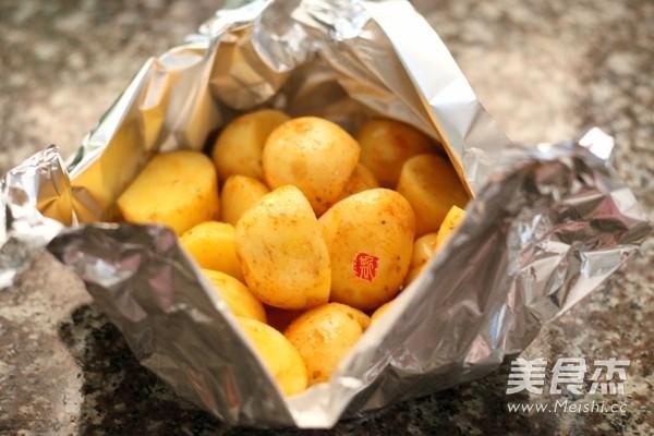 新奥尔良香草烤小土豆的简单做法