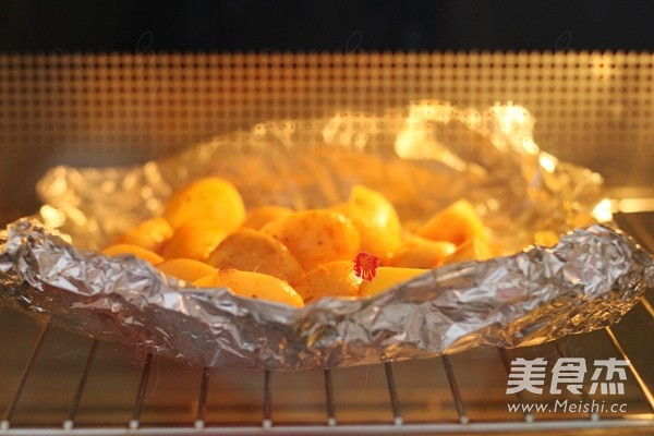 新奥尔良香草烤小土豆怎么吃