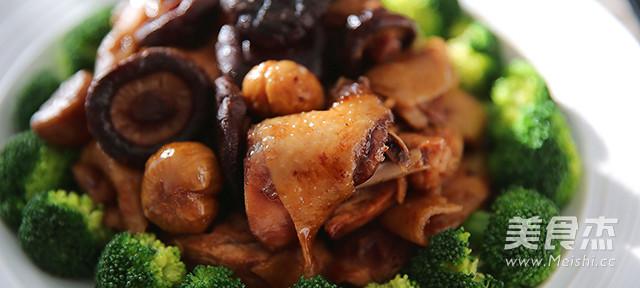 香菇板栗蒸土鸡成品图