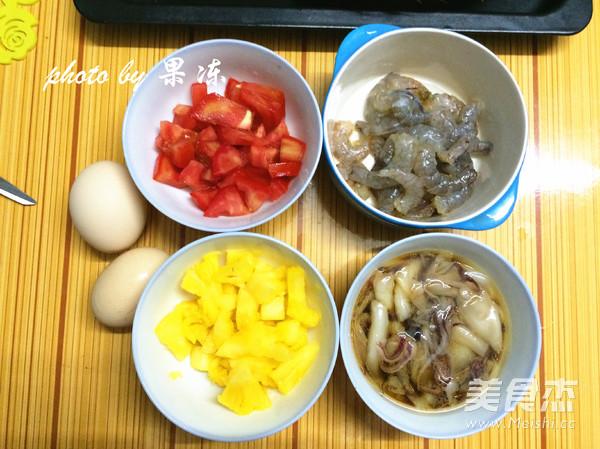 菠萝焗海鲜饭的家常做法
