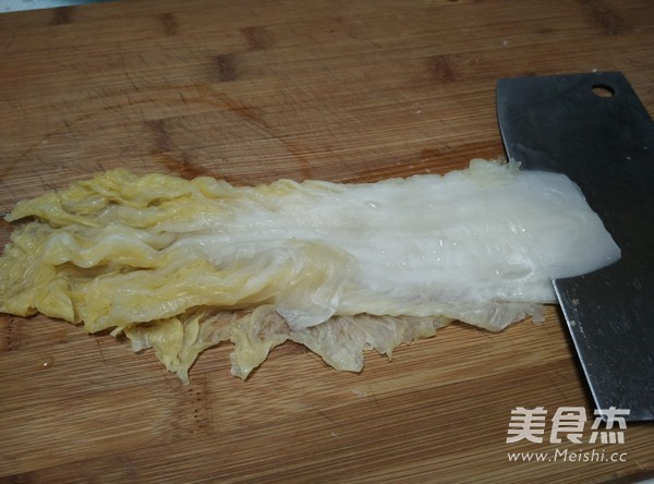 东北酸菜炖排骨的简单做法