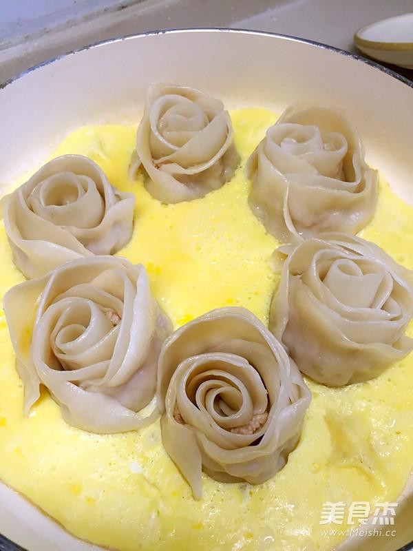 玫瑰花饺子怎么炒