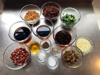 夏天自己做一碗酸辣粉,酸辣开胃比外面好吃百倍的制作方法