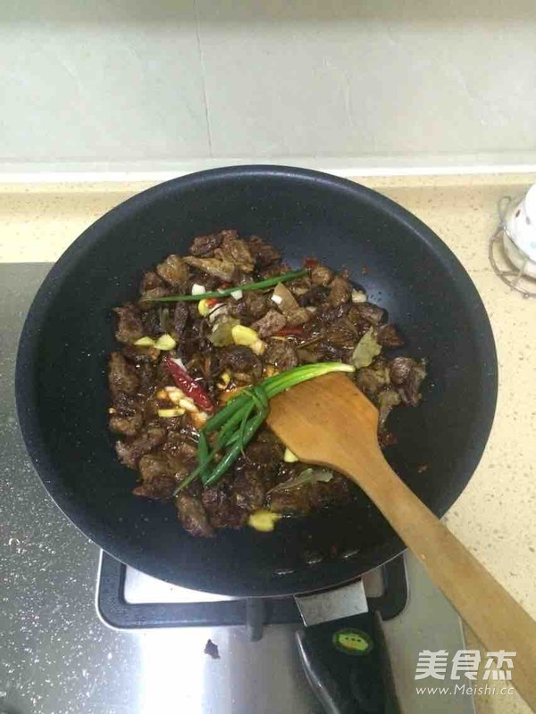 香笋烧牛肉怎么炒